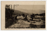 German machine gunners retreating