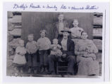Pete and Hannah Shelton family picture