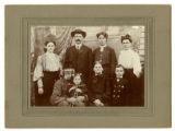 Photograph of veteran Alexander Brabson Walker and family