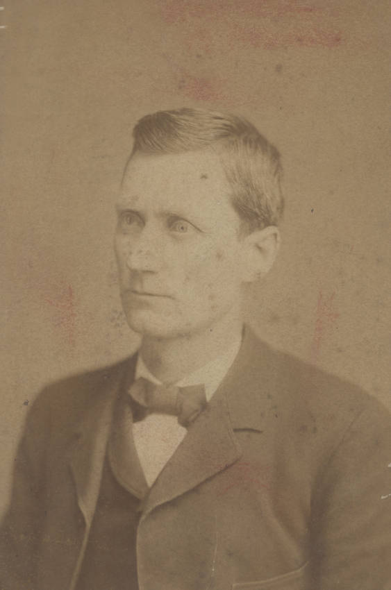 Portrait photograph of Thomas G  Ryman as a young man